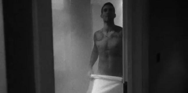 Adam Levine Shows Butt in a Music Video