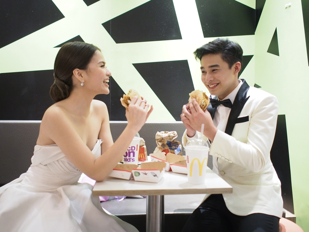 ​McLisse clearly enjoys the company of McSpicy and each other (photo by Renato Lua)