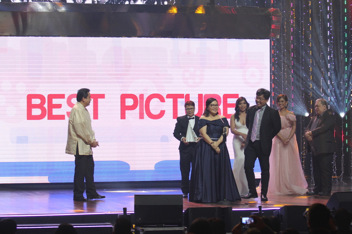 2016 MMFF Best Picture - Sunday Beauty Queen