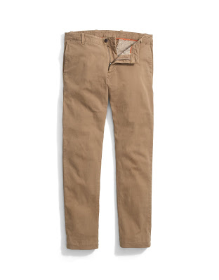 If you're aiming for a relaxed vibe with just the right amount of classiness, wear the Clean Khaki, stylish chinos from Dockers.