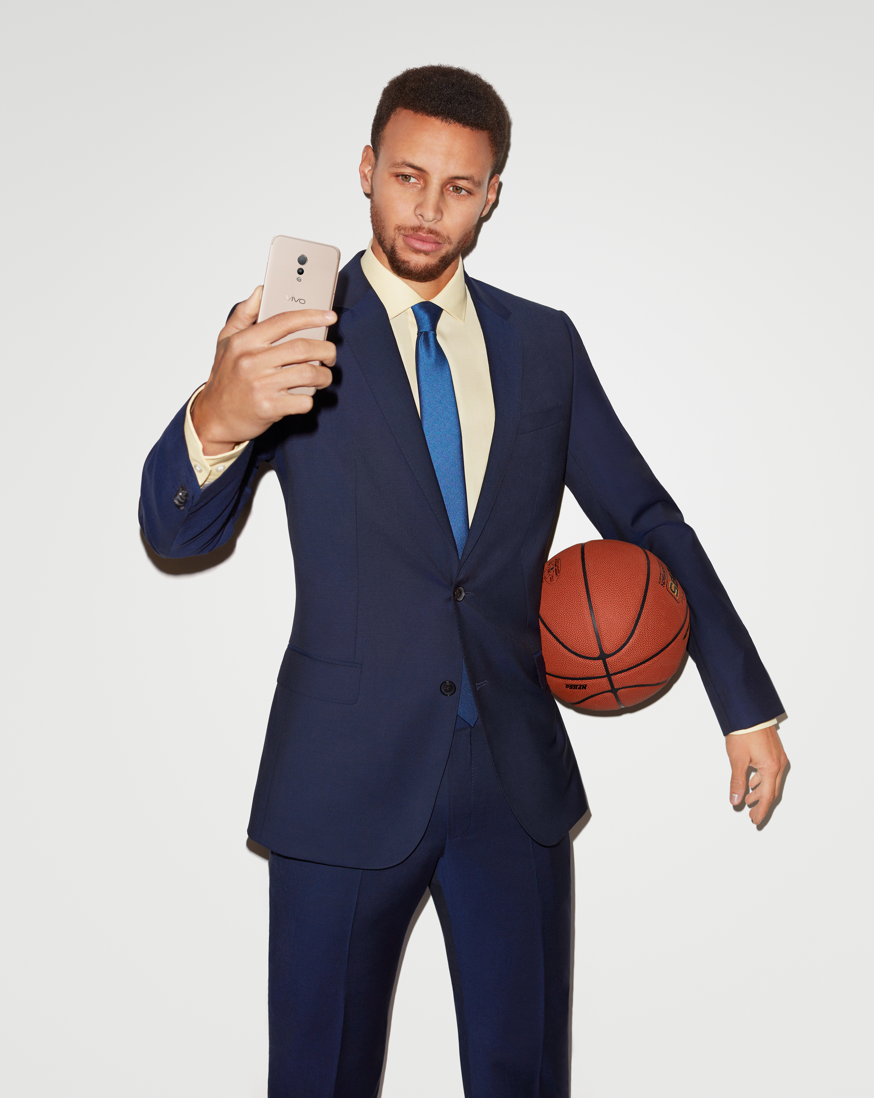 NBA Superstar Stephen Curry is the official endorser of all Vivo phones, including the V5 Lite