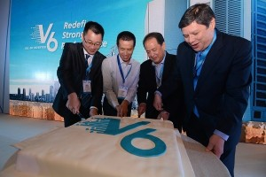 (From left) Midea CAC (Commercial Air-conditioners) Overseas Director of Asia & Pacific Region Ken Liang; Head of Research & Development, VRF Product Mike Hu; Philippines' Concepcion Midea Inc. Chair and CEO Joseph Concepcion; and General Manager Phillip Trapaga cuts a V6 cake to culminate the Midea V6 Series VRF Launch.