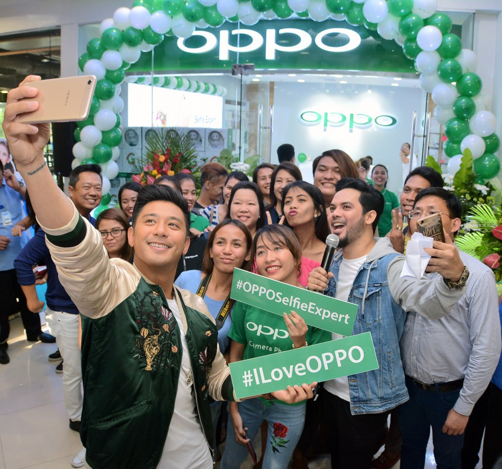 OPPO Ayala Center Cebu Photos (1)
